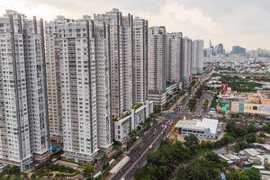 'Rừng chung cư' trên đường Nguyễn Hữu Thọ ở Sài Gòn