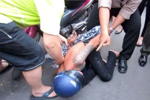Bắt 3 thanh niên cướp xe SH của người phụ nữ ở Sài Gòn