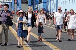 Đón hơn 5.700 du khách từ tàu biển Spectrum of the Seas