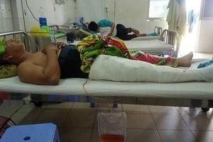 Đuổi theo 'cát tặc', một cán bộ ở Quảng Nam bị tông gãy chân