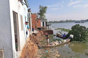 4 căn nhà ở Long An bị 'bà thủy' nuốt chửng
