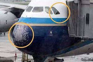 Mưa đá ở Trung Quốc, kính chắn gió của máy bay Airbus A380 vỡ vụn