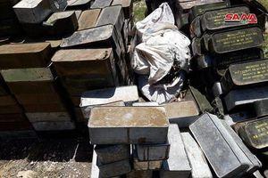 Quân đội Syria lại thu hoạch một kho vũ khí mới của khủng bố ở Hama