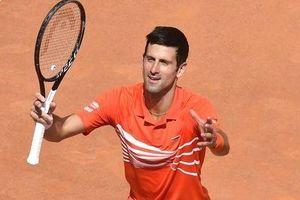 Thắng dễ ngày ra quân, Novak Djokovic theo chân Federer và Nadal vào vòng 2 Roland Garros