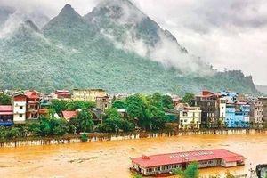 Nhiều tuyến đường ở Hà Giang sạt lở vì mưa lũ