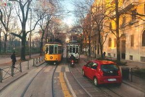 Khám phá thành cổ Milan bằng tàu điện