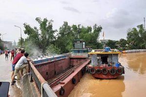 Quảng Ninh: Mưa lớn, một người mất tích, hàng chục đò sắt bị đắm