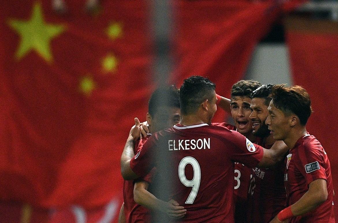 Vì vé World Cup, bóng đá Trung Quốc cuống cuồng nhập tịch ngoại binh
