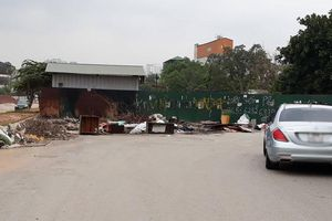 Đường cụt thành bãi rác