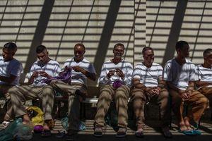 Bạo loạn trong tù, 42 phạm nhân bị siết cổ chết ở Brazil