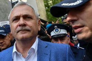 Lãnh đạo đảng cầm quyền Romania vào tù vì tội tham nhũng
