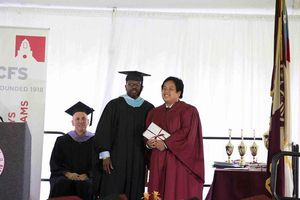 Thần đồng Đỗ Nhật Nam tốt nghiệp THPT tại Mỹ với hàng loạt thành tích cao