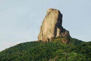 Núi Đá Bia là biểu trưng của tỉnh nào?