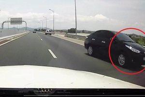Clip: Ô tô con đi ngược chiều kiểu 'giết người' trên cao tốc Hải Phòng - Quảng Ninh