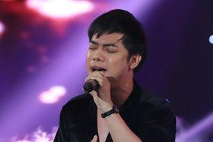 Giọng ca nam giả Minh Tuyết được ngợi khen nhưng vẫn bị loại