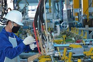 Kinh tế Việt Nam được dự báo sẽ vượt Singapore, chuyên gia nói gì?