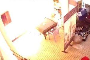 Pin xe điện phát nổ khi đang sạc trong nhà ở Trung Quốc