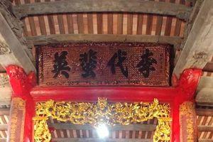 Di tích quốc gia gia đình Văn Xá (Hà Nam) bị sơn đỏ: Không khỏi cảm thấy đau lòng…