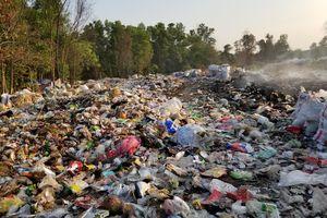 Ồ ạt đổ trộm rác thải công nghiệp: Vi phạm pháp luật về môi trường