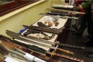 Phát hiện kho vũ khí khủng trong phòng trọ ở Bình Dương
