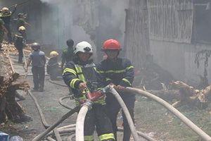 Cháy xưởng sản xuất hương, hàng chục người tháo chạy