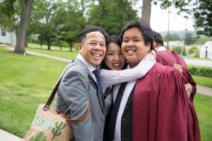 Chia sẻ của mẹ Đỗ Nhật Nam trong ngày con tốt nghiệp cấp 3 gây xúc động hàng chục ngàn người