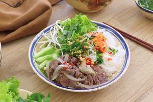 Công thức chế biến món bún bò Nam Bộ ngon quên sầu