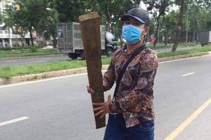 TP HCM: Người đàn ông bất ngờ bị đánh hội đồng gần chốt CSGT đang xử lý