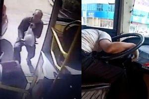 Không lên kịp xe buýt, người đàn ông bắt taxi đuổi theo để đánh tài xế gây phẫn nộ
