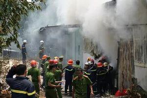 Đà Nẵng: Cháy xưởng sản xuất hương, huy động gần 100 cán bộ, chiến sĩ đến dập lửa