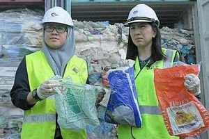 Tiếp bước Philippines, Malaysia chuẩn bị 450 tấn rác trả lại cho nước ngoài
