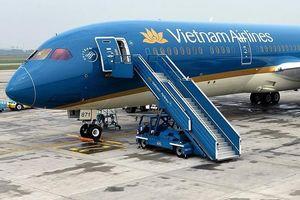 Vụ chuyến bay quốc tế bị tố delay hơn 1 giờ để chờ 1 vị khách: VNA lên tiếng xin lỗi, mong mọi người thông cảm