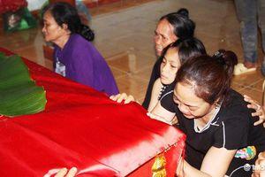 5 học sinh đuối nước ở Nghệ An: Đám tang vội vã nơi quê nghèo