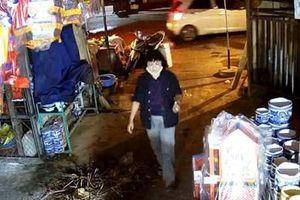 Truy bắt 'nữ quái' trộm 70 triệu đồng tại chợ Rồng