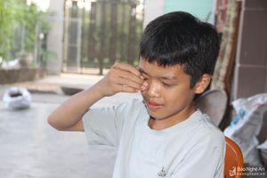 Giây phút sinh tử cứu nữ sinh đuối nước ở Nghệ An