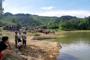 Tổ chức liên hoan cuối năm học, 5 học sinh Nghệ An bị đuối nước tử vong