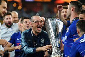 Giúp Chelsea vô địch Europa League, Sarri vẫn chẳng dám chắc tương lai