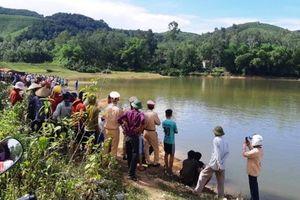 Đi dã ngoại, 5 học sinh lớp 8 đuối nước thương tâm