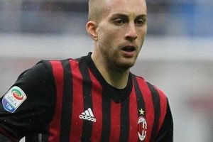 Cựu sao Barcelona mong muốn được trở lại AC Milan chơi bóng