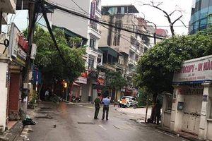 Hà Nội: Phong tỏa phố Hoàng Ngân vì hàng loạt chó dữ thả rông không rọ mõm