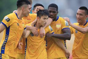 CLIP: Tân binh U23 Việt Nam ghi bàn giúp Thanh Hóa thắng kịch tính