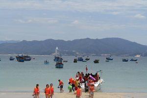 Biển miền Trung nói không với rác thải nhựa: 'Khoác áo xanh' cho du lịch Hội An - Quy Nhơn