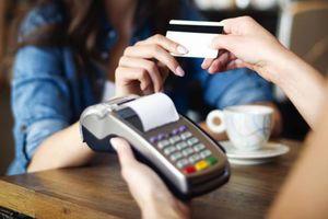 Chuyên gia: 'Miễn phí tài khoản cơ bản sẽ thúc đẩy thanh toán không dùng tiền mặt'