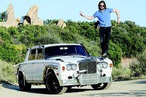 Rao bán 'kiệt tác' xe độ chuyên off-road Trolls-Royce