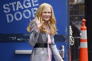 'Thiên nga nước Úc' Nicole Kidman lộ nếp nhăn tuổi tác