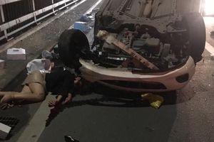 Nữ tài xế lái Mazda đâm xe bồn rồi lật ngửa trên cầu Nhật Tân đã qua cơn nguy kịch