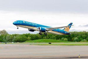 Vì sao máy bay Vietnam Airlines chờ khách nối chuyến hơn 30 phút?