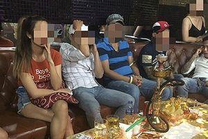 Đột kích vũ trường, cảnh sát phát hiện hàng chục người 'chơi' ma túy