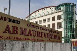 Khai quật ống thải ngầm của Công ty AB Mauri Việt Nam