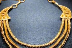 TQ: Tìm được vòng cổ bằng vàng 800 năm mà như mới toanh trong xác tàu đắm